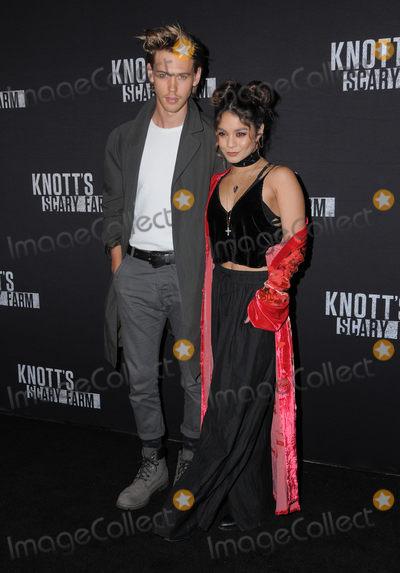 Photos From Knott's Scary Farm Black Carpet Party