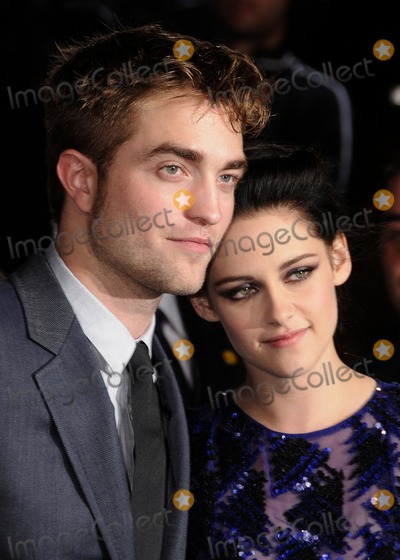 Kristen Stewart,Robert Pattinson Photo - The Twilight Saga Breaking Dawn Part 1 Los Angeles Premiere