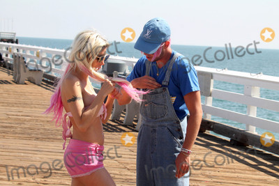 Photos From Frenchy Morgan and Jesse Willesee get romantic at Malibu Pier