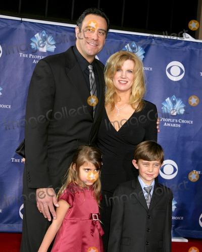 Pictures From People's Choice AwardsBrad Garrett Family