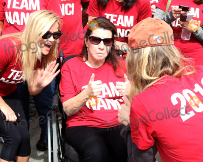 Reese Witherspoon,Renee Zellweger Photo - ALS Association Golden West Chapter Los Angeles County Walk To D