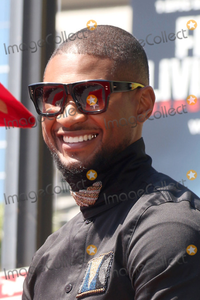 Photos From Usher Honored With a Star On The Hollywood Walk Of Fame