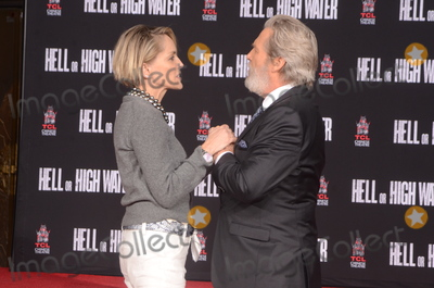 Photos From Jeff Bridges Hand and Foot Print Ceremony