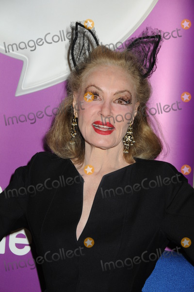 Julie Newmar Photos - SAN DIEGO - JUL 22  Julie Newmar at the 2011 Comic-Con Convention - Day 2 at San Diego Convention Center on July 22 2010 in San DIego CA