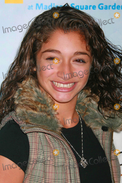 Raquel Castro Photo - Raquel Castro Arriving at the World Premiere of Wintuk the Newest Creation From Cirque Du Soleil at the Wamu Theater at Madison Square Garden in New York City on 11-07-2007 Photo by Henry McgeeGlobe Photos Inc 2007
