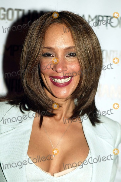 Lynne White Photo - Lynn White Arriving at a Anniversary Celebration For Gotham and Los Angeles Confidential at Gotham Hall in New York City on February 5 2004 Photo by Henry McgeeGlobe Photos Inc 2004