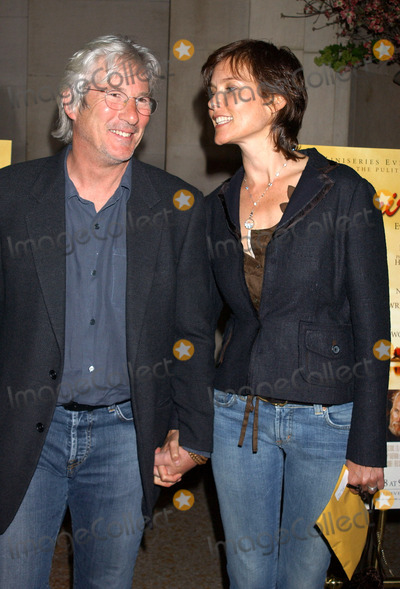 Richard Gere Photo - NEW YORK MAY 9 1005    Richard Gere and Carey Lowell at the Empire Falls premiere held at the Metropolitan Museum of Art
