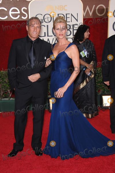 Michael Bolton,Nicollette Sheridan Photo - Golden Globe Awards