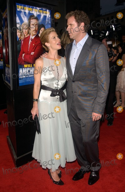 Christina Applegate Photo - Actress CHRISTINA APPLEGATE  actor WILL FERRELL at the Hollywood premiere of their new movie AnchormanJune 28 2004