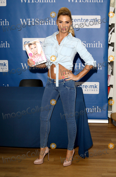 Photos From Katie Price at her   Reborn  book launch