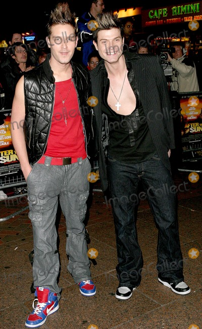 Andrew Kinlochan Photo - London Andrew Kinlochan and Mikey Green from Phixx at the World Premiere of the new movie After the Sunsetat the Vue Cinema Leicester Square 02 November 2004Paulo PirezLandmark Media