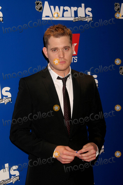 michael bubble dating With the 2018 grammys on the horizon, attention has turned to nominee michael  bublé and his son noah, who was diagnosed with liver cancer.