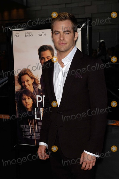 Chris Pine Photo - Laff Presents People Like Us