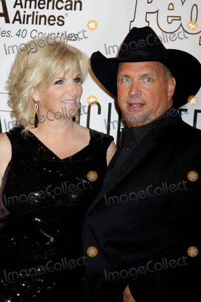Garth Brooks,Trisha Yearwood Photo - Songwriters  NYC