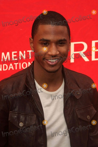 John B,Trey Songz Photo - Revlon Runwalk For Women New York City