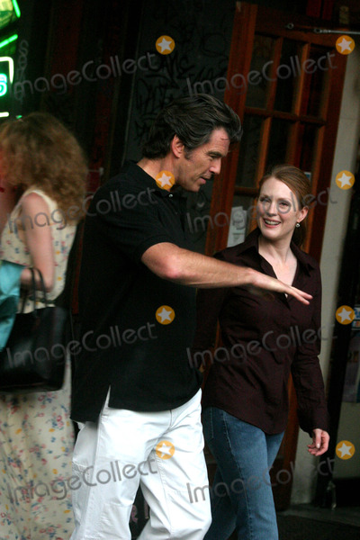 THE SET,Pierce Brosnan,Julianne Moore Photo - Archival Pictures - Globe Photos - 75866