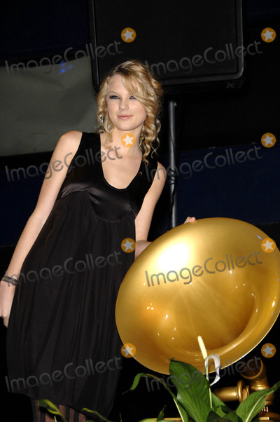 The Fondas,Taylor Swift Photo - Archival Pictures - Globe Photos - 33756