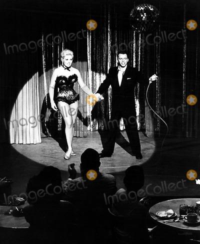 Kim Novak,Frank Sinatra Photo - Archival Pictures - Globe Photos - 69575