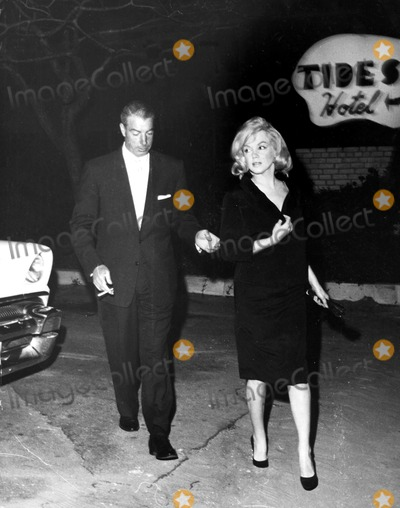 Marilyn Monroe,Joe DiMaggio Photo - Archival Pictures - Globe Photos - 71962