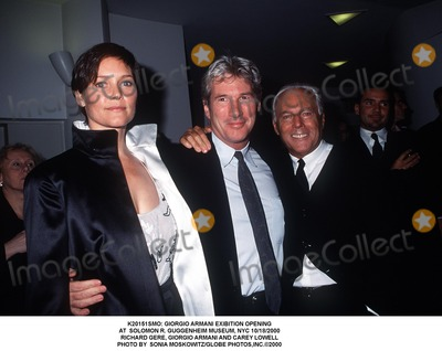 Richard Gere Photo -  Giorgio Armani Exibition Opening at Solomon R Guggenheim Museum NYC 10182000 Richard Gere Giorgio Armani and Carey Lowell Photo by Sonia MoskowitzGlobe Photosinc