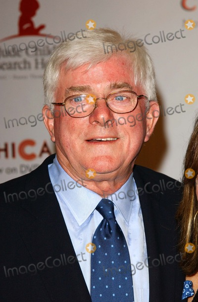Phil Donahue Photo - Archival Pictures - Globe Photos - 75871