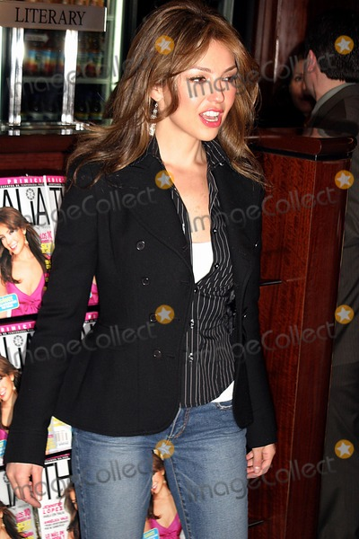 Photos From Archival Pictures - Globe Photos - 59917