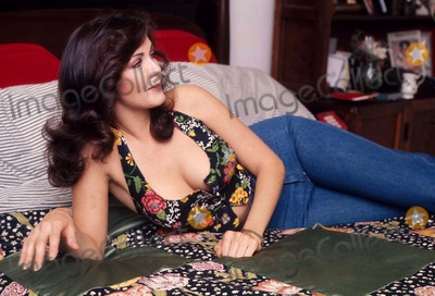 Lynda Carter Photos - Lynda Carter 1979 11051 Photo by Jim Selby-ipol-Globe Photos Inc