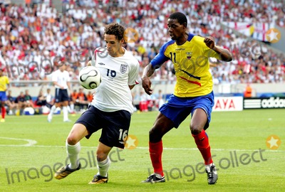 Agustin Delgado Photo - World Cup Soccer England V Ecuador 06-25-2006 Photo Richard Sellers  Allstar  Globe Photos Inc 2006 Owen Hargreaves  Agustin Delgado
