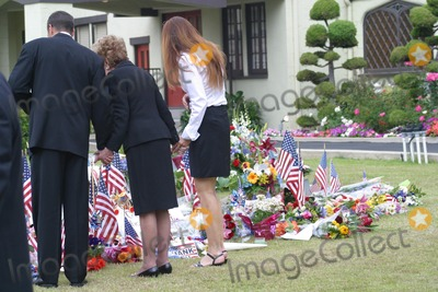 Former President Ronald Reagan,THE GATES,President Ronald Reagan,Ronald Prescott Reagan,Ronald Reagan,Patti Davis,Nancy Reagan Photo - Ronald Reagan Funeral