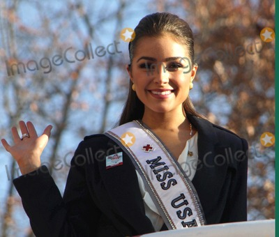 Olivia Culpo Photos - The 2012 Macys Thanksgiving Day Parade Central Park West NYC November 22 2012 Photos by Sonia Moskowitz Globe Photos Inc 2012 Olivia Culpo