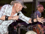 LoCash Cowboys Photo 3