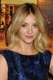 Abby Elliott Photo 3