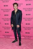 Victorias Secret Photo - November 11  2015 - New York NY - Austin Mahone 2015 Victorias Secret Fashion Show Pink Carpet Photo Credit Mario SantoroAdMedia