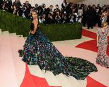 Zoe Saldana Photo - 02 May 2016 - New York New York- Zoe Saldana  Metropolitan Museum of Art Costume Institute Gala Manus x Machina Fashion in the Age of Technology Photo Credit Christopher SmithAdMedia
