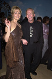 Linda Kozlowski Photo -  Paul Hogan and Linda Kozlowski at the Carousel Of Hope charity gala benefitting the Barbara Davis Center for Childhood Diabetes Beverly Hills 10-28-00