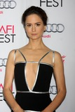 Katherine Waterston Photo 3