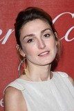 Julie Gayet Photo 3