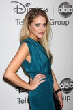 Carly Chaikin Photo 3