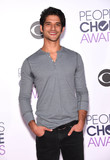Tyler Posey Photo - Photo by KGC-11starmaxinccomSTAR MAX2016ALL RIGHTS RESERVEDTelephoneFax (212) 995-11961616Tyler Posey at The 2016 Peoples Choice Awards(Los Angeles CA)