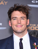 Sam Claflin Photo - Photo by KGC-11starmaxinccomSTAR MAXCopyright 2015ALL RIGHTS RESERVEDTelephoneFax (212) 995-1196111615Sam Claflin at the premiere of The Hunger Games Mockingjay - Part 2(Los Angeles CA)