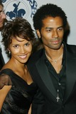 Halle Berry Photo - Photo by Lee RothSTAR MAX Inc - copyright 2002101502Halle Berry and Eric Benet at the Carousel of Hope Benefit(CA)