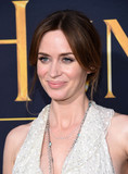 Emily Blunt Photo - Photo by KGC-11starmaxinccomSTAR MAX2016ALL RIGHTS RESERVEDTelephoneFax (212) 995-119641116Emily Blunt at the premiere of The Huntsman Winters War(Westwood CA)