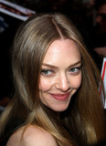 Amanda Seyfreid Photo - December 11 2012 New York CityActress Amanda Seyfreid made an appearance at the Late Show with David Letterman on December 11 2012 in New York City