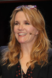 Lea Thompson Photo - Lea Thompson 03192016 Silicon Valley Comic Con 2016 held at the San Jose Convention Center in San Jose CA Photo by Kazuki Hirata  HollywoodNewsWirenet