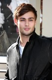Douglas Booth Photo 3
