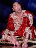 Jason Scott Lee Photo - LondonJason Scott Lee stars in The King and I stage show at the London Palladium25th April 2000Picture by Trevor MooreLandmark Media