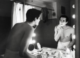 Anthony Perkins Photo - Anthony Perkins at Home Photo Tom CaffreyGlobe Photos Inc