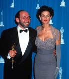 Albert Wolsky Photo - Academyawardsoscars L3024 1992 Academy Awards Demi Moore_albert Wolsky Photo by Michael FergusonGlobe Photosinc