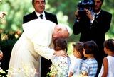 John Paul Photo - Pope John Paul Ii Photo Piero Pomponi  Ipol  Globe Photos Inc 1995