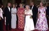 Queen Beatrix Photo - ALPHA 048228 17062002KING KARL GUSTAV  QUEEN SILVIA OF SWEDEN QUEEN BEATRIX OF THE NETHERLANDS THE QUEEN  QUEEN MARGRETHE OF DENMARK-GOLDEN JUBILEE DINNER PARTY FOR EUROPEAN ROYALSAT WINDSOR CASTLE IN WINDSOR BERKSHIRECREDIT ALPHAGLOBE PHOTOS INC